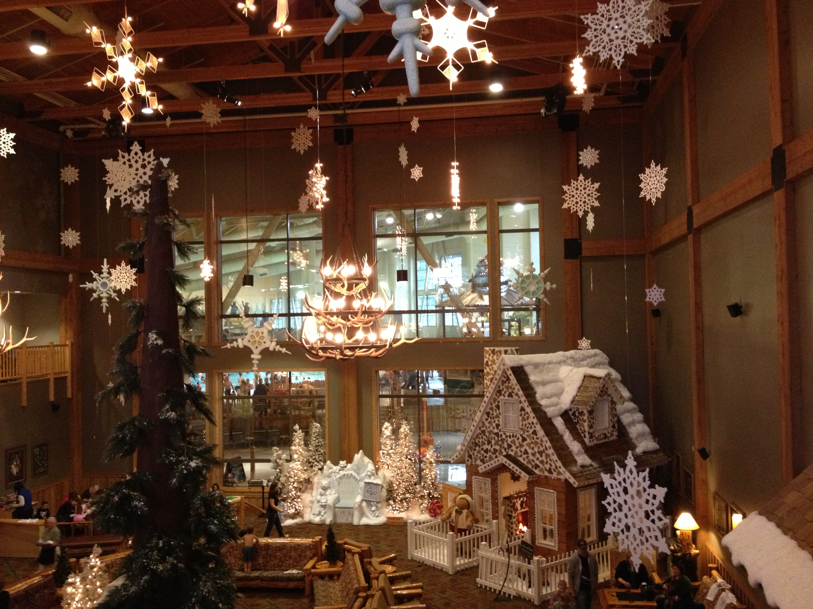 Win a two night stay at great wolf lodge in our family for Great christmas decoration ideas