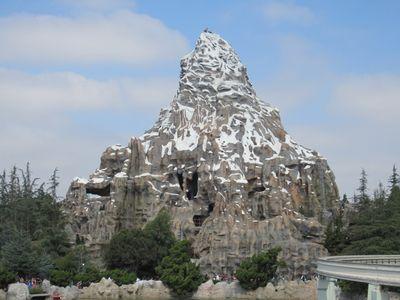 New Seats On The Disneyland Matterhorn Dad Logic