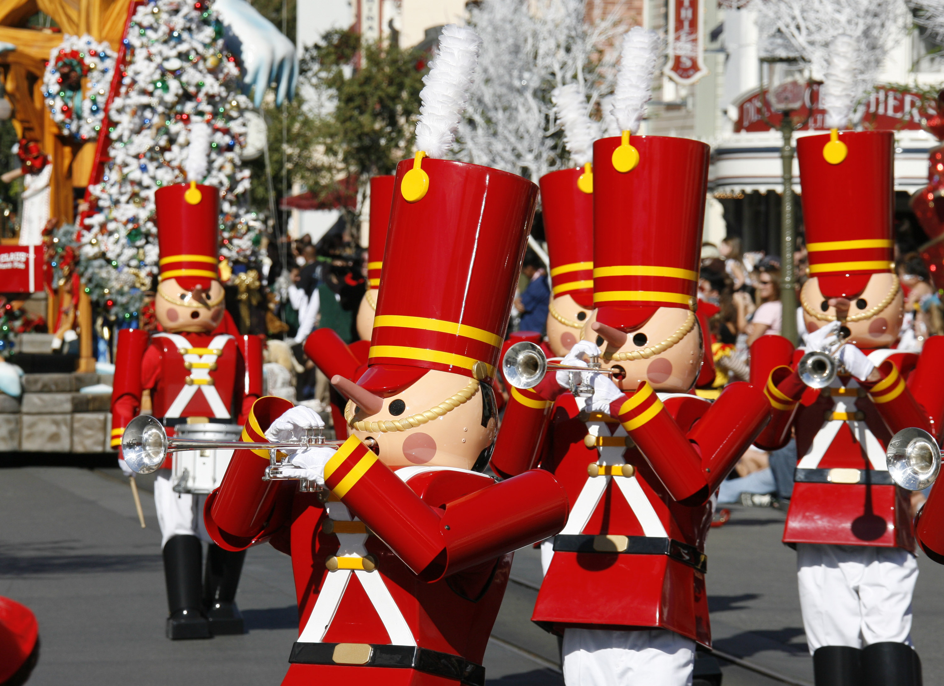 disneyland christmas parade and fireworks