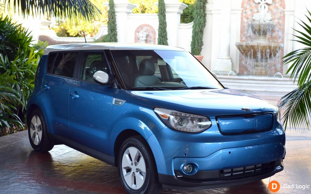 the 2015 kia soul ev is super charged and fun to drive. Black Bedroom Furniture Sets. Home Design Ideas