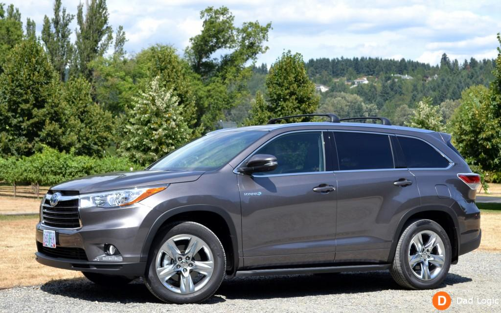 the 2015 toyota highlander hybrid is a comfortable and stylish way for your family to travel. Black Bedroom Furniture Sets. Home Design Ideas