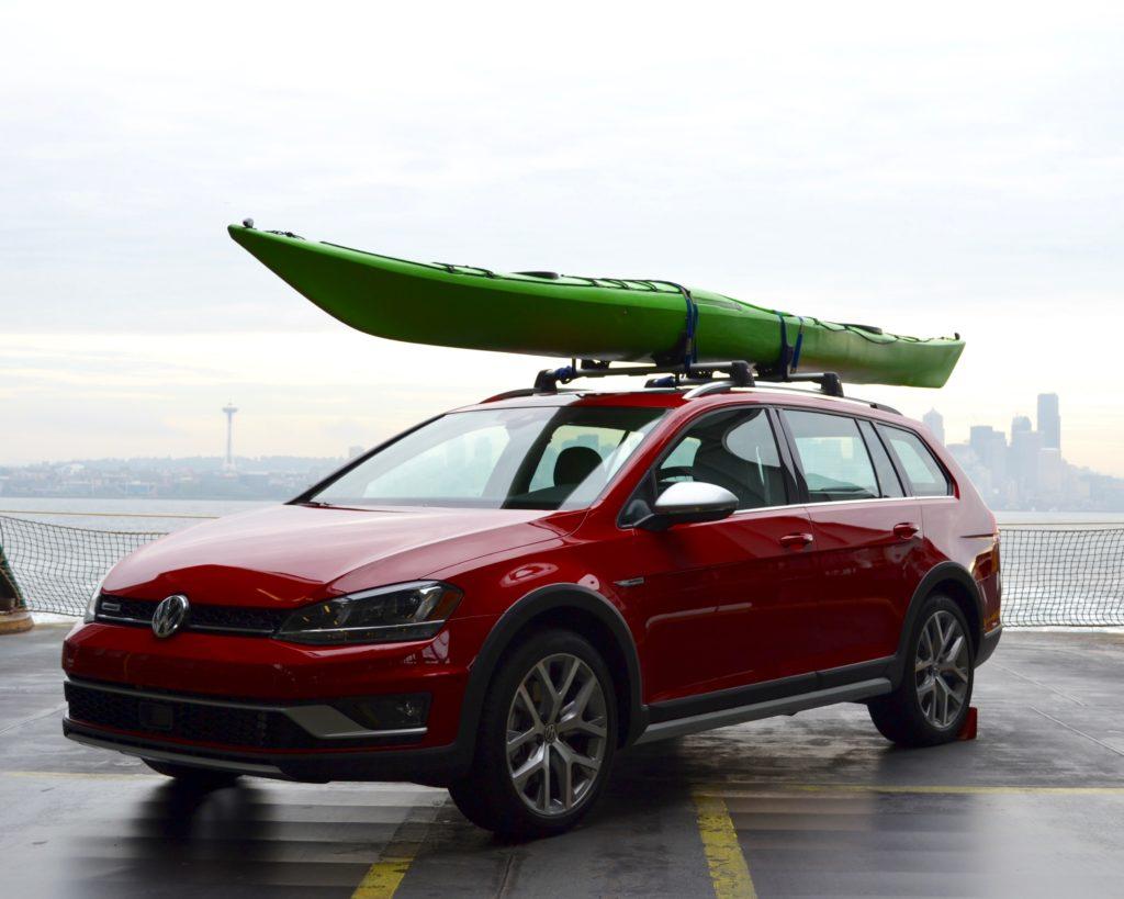 2017 Volkswagen Golf Alltrack and Full-Line Drive